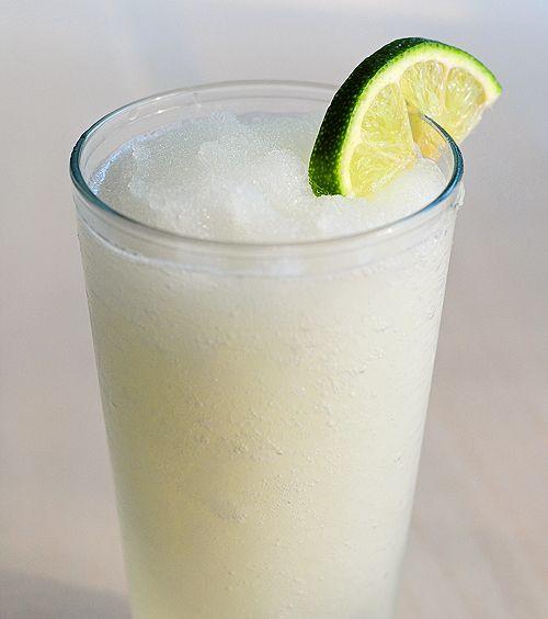 frozen-coconut-limeade. Perfect for summer!: Frozen Lemonade, Non Alcohol, Fun Recipes, Amy Johnson, Summer Drinks, Coconut Limeade, Coconut Rum, Frozen Coconut, Alcohol Recipes
