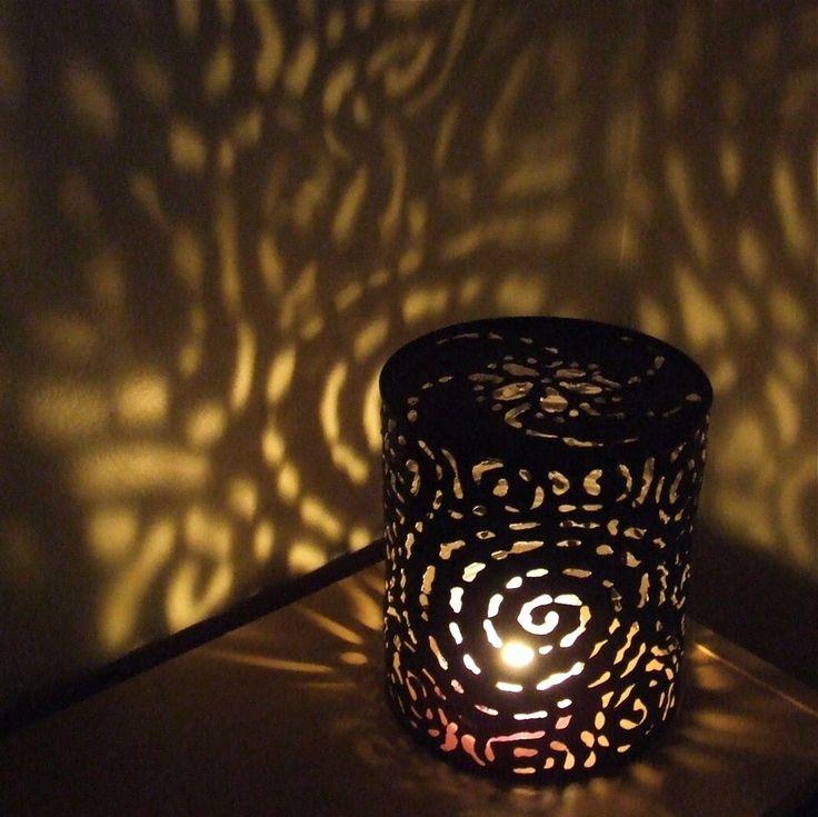 les 25 meilleures id es concernant lumi res bo tes de conserve sur pinterest lanternes en. Black Bedroom Furniture Sets. Home Design Ideas