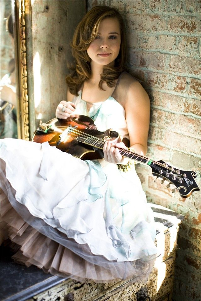 Sierra Hull - a twenty year old mandolin prodigy - plays bluegrass music from Tennessee and Mississippi.