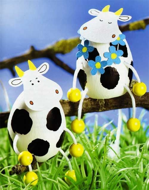 DIY crafts for Easter: these are Paper and Easter cows — love these so chick-a-…