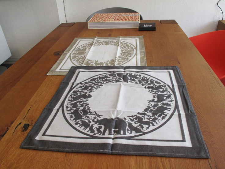 'Pantheon' napkins woven with gold fabric or black + white