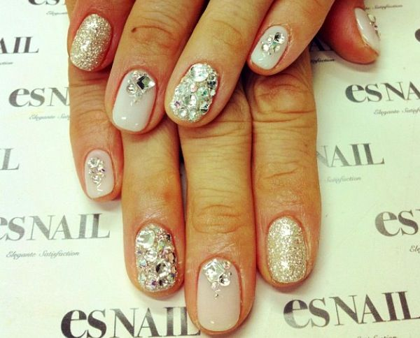 #weddingnails #glamourous #nailtrends # nailfashion #manicure #unas #nails
