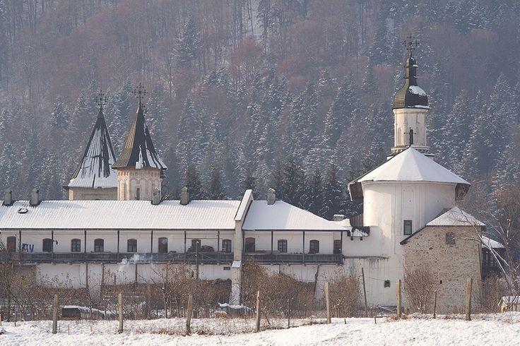 Manastirea Secu iarna