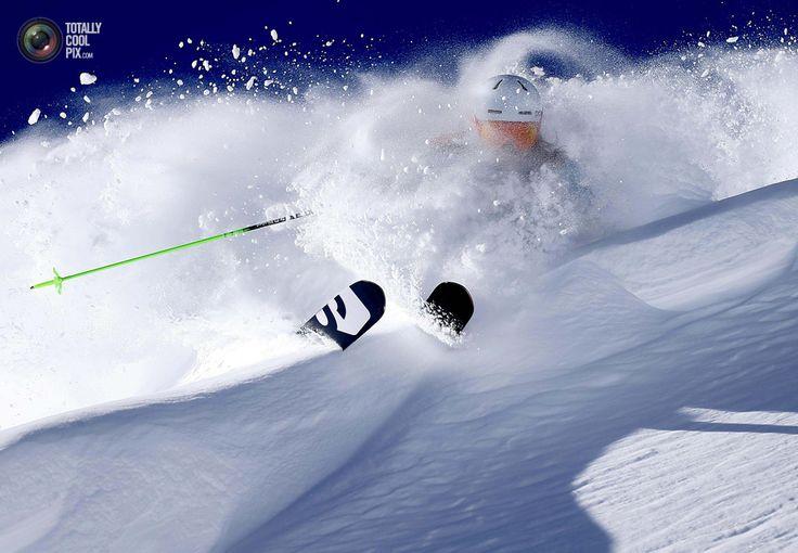 Freeride Skiing - http://totallycoolpix.com/2013/01/freeride-skiing