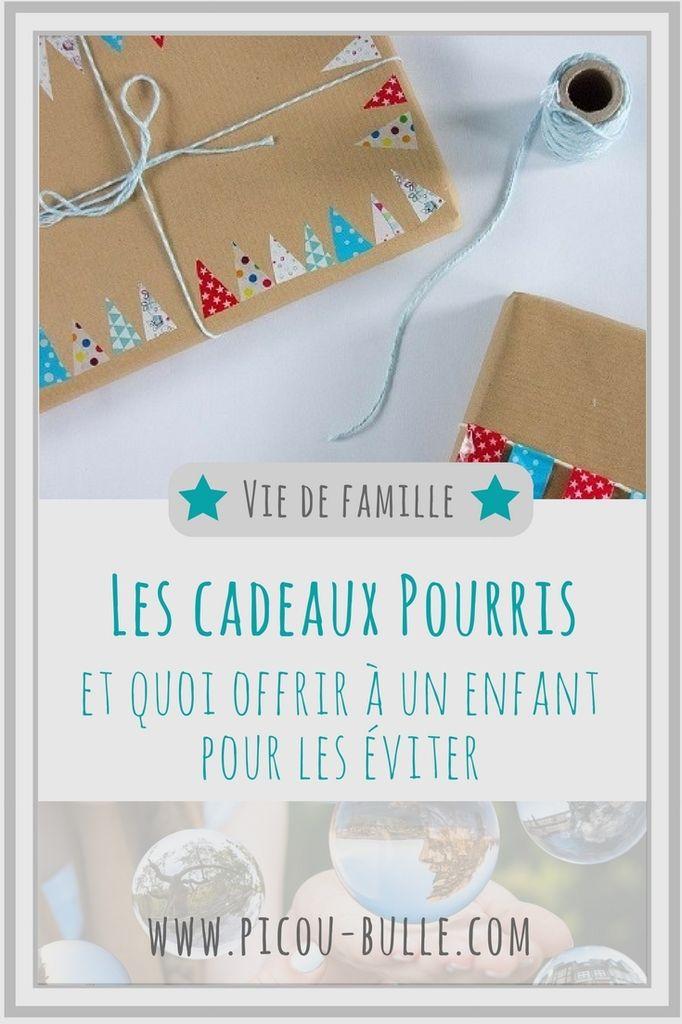 Qui n'a jamais reçu de cadeaux pourris pour ses enfants? Quelques conseils pour savoir quoi offrir pour les éviter!  #maman #enfant #cadeau #ideecadeau #cadeau #pourri #humour