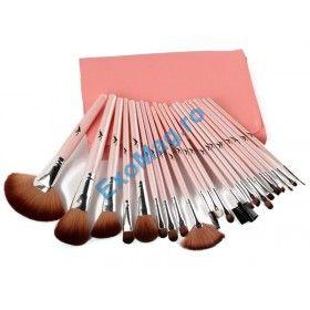 Trusa 22 pensule makeup Daroge Cosmo - http://exomag.ro/pensule-machiaj-profesionale-makeup/trusa-pensule-pt-machiaj-premium-daroge-cosmo.html