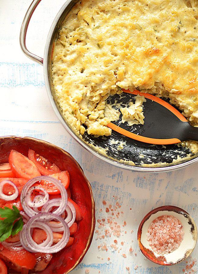 Makaron (bez gotowania) zapiekany w sosie serowym