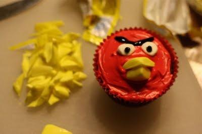 @Gina Williford angry birds cupcakes