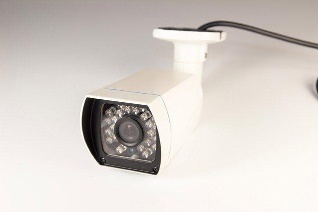 """DIVITEC DT-AC0112BF-I2 мультиформатная видеокамера 1669-01 Уличная цветная цилиндрическая мультиформатная видеокамера 720P день/ночь с ИК подсветкой,  матрица 1/4"""" OV9732,  4 в 1: возможность работы в режиме AHD/TVI/CVI/Analog,  чувствительность 0.05Lux/F1.2,  потолочный и настенный монтаж, встроенный фиксированный объектив 3,6мм, дальность ИК подсветки до 20м (24 ИК светодиода d.5мм ),  2D-NR цифровое подавление шумов, AWB автоматический баланс белого,  AGC автоматический контроль уровня…"""