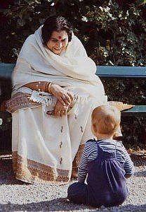 Мать и дитя))