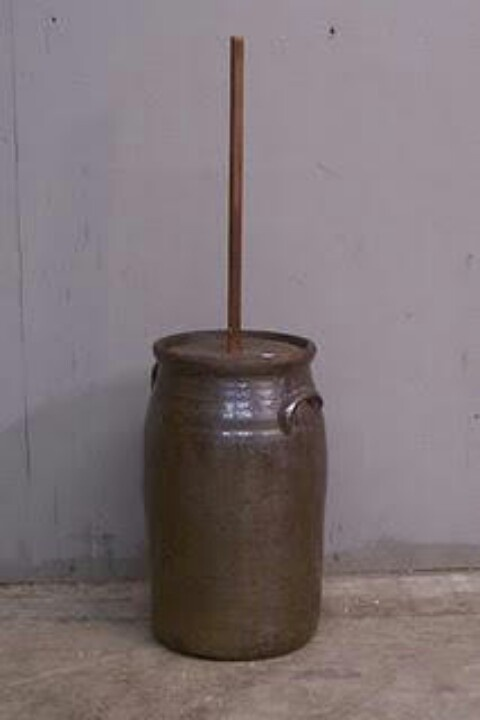 how to use a butter churn