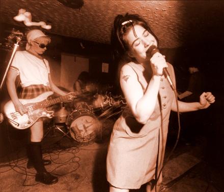 Bikini Kill: Riotgrrrl, Band, Riot Grrl, 90S Fashion, 90S Riot, Riot Grrrls, Bikinis Kill, Kathleenhanna, Kathleen Hanna