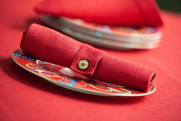 Red pure 100% linen napkins and napkin rings for Scandinavian Style Christmas Table Decor.