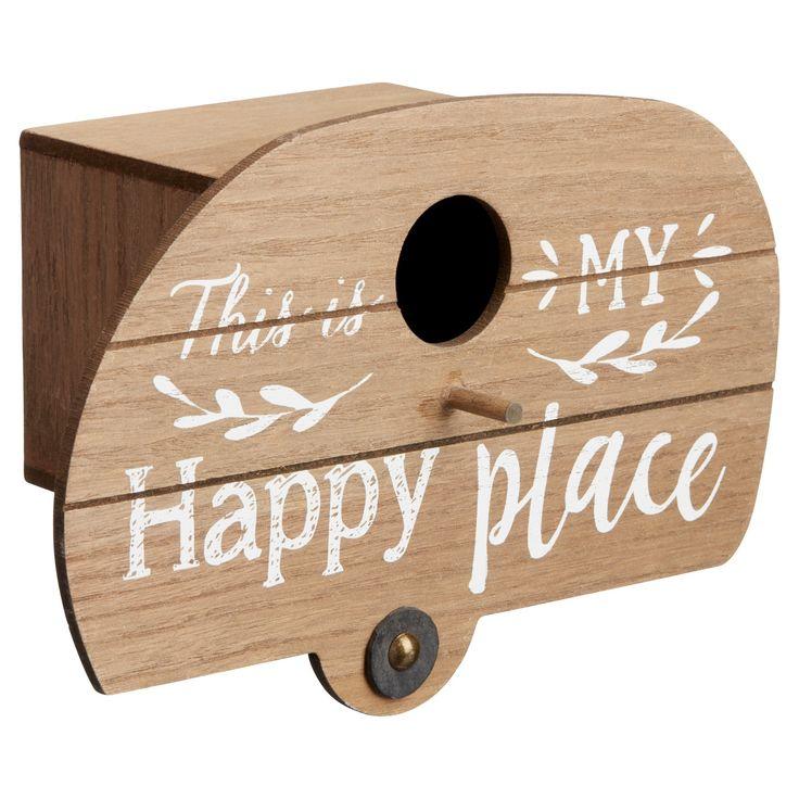 Sfeervol vogelhuis met tekstopdruk. Materiaal: hout. Kleur: bruin. Afmeting: 25x17x11 cm (bxlxh). #kwantumlente #vogelhuis #tuin