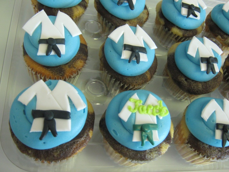 Martial Art Cake Ideas : 70 best Cupcakes-A-Go-Go baked yumminess (not cupcakes ...