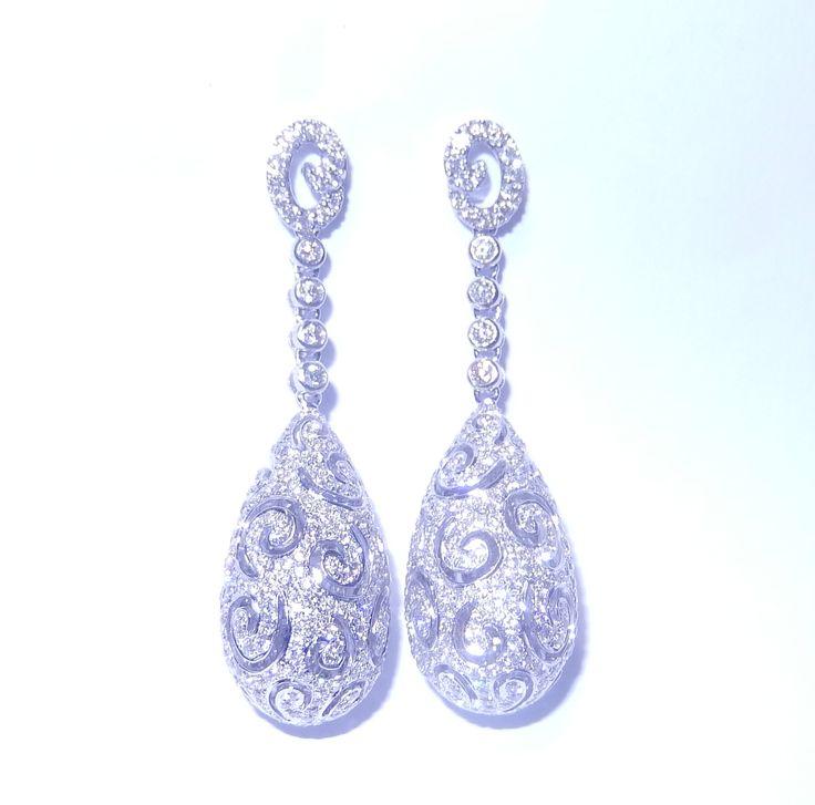 Diamant Ohrringe aus 750/18K Weißgold mit 4.46 Karat Diamanten  Diamantohrringe vom Juwelierhaus Abt in Dortmund  #diamantohrringe #diamanten #ohrringe #juwelier #abt #dortmund #weißgold #geschenk #weihnachten #geschenkidee