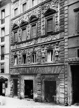 Casa Crivelli o Casa dei Pupazzi, Roma, Via de' Banchi Vecchi