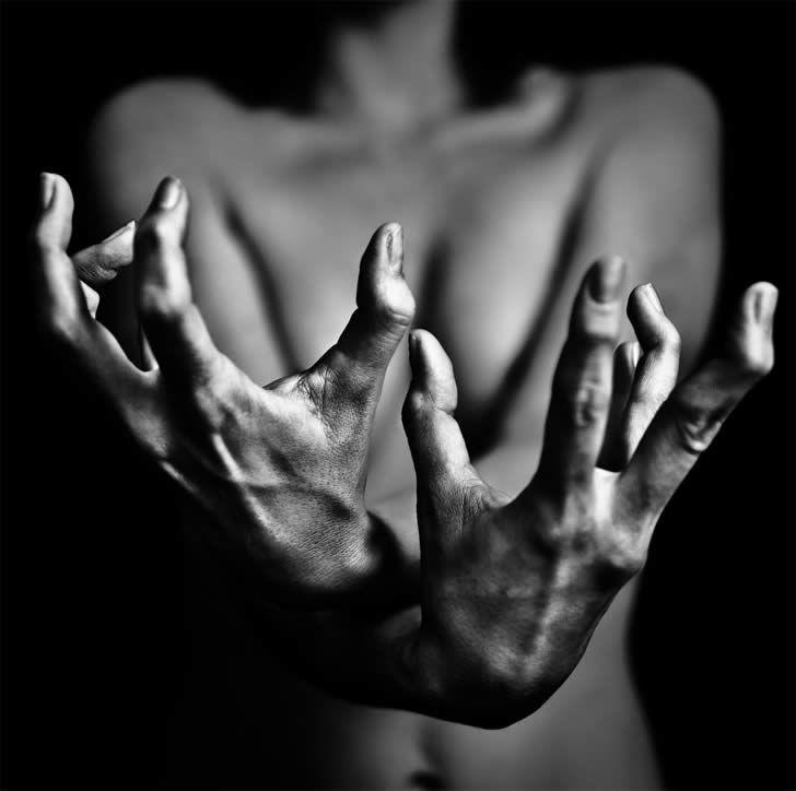 Benoit Courti: Photos, Blackandwhite, White Photography, Hands, Black And White, Art, Black White, Benoitcourti, Benoit Courti