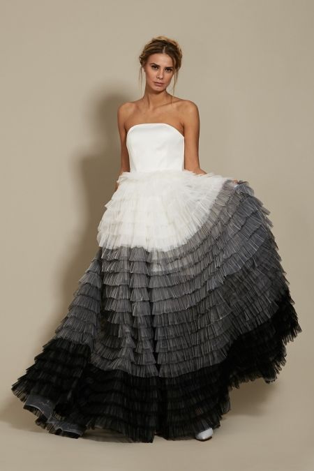 Julietta Dress Bridal 2018 Oana Nutu Fashion Designer Wedding Dress Wedding Gown www.OanaNutu.com  #fashion #style #shopping #oananutu #Bridal #BridalDress #WeddingDress #Bride #FashionDesigner #Wedding