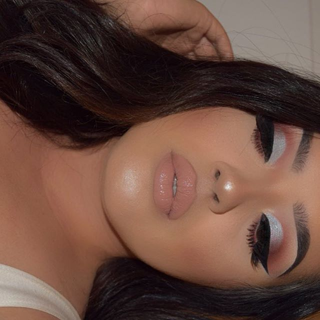 """.  .  Face: @anastasiabeverlyhills foundation stick, @anastasiabeverlyhills powder contour kit, @tartecosmetics shape tape concealer.  Brows: @anastasiabeverlyhills dipbrow """"Dark Brown"""".  Glow: @anastasiabeverlyhills glow kit in """"That Glow"""".  Lips: @nyxcosmetics butter gloss in """"fortune cookie"""".  #nyx #nyxcosmetics #norvina #colourpop #colourpopcosmetics #anastasiabrows #anastasiabeverlyhills #lagirl..."""