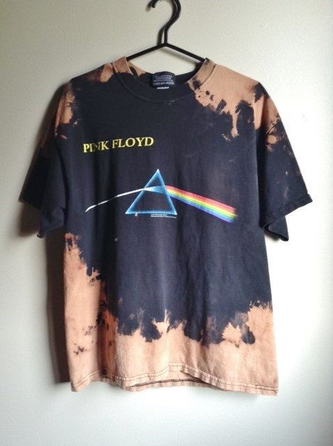 This shirt is a one of a kind, each splattered shirt is different.  This one is a Pink Floyd Dark Side of the Moon tee, all cotton.  Heres your