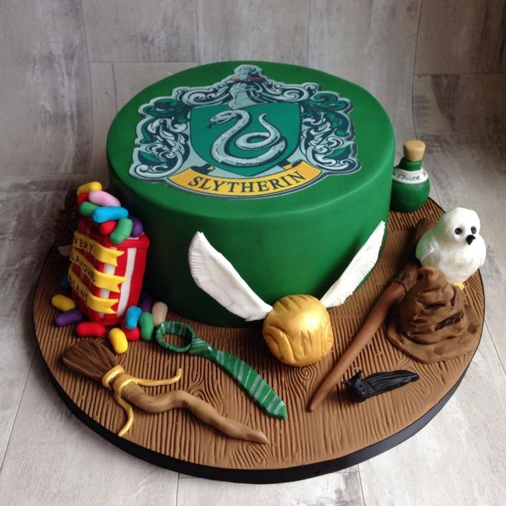 Slytherin harry potter cake for my friends 30th birthday.