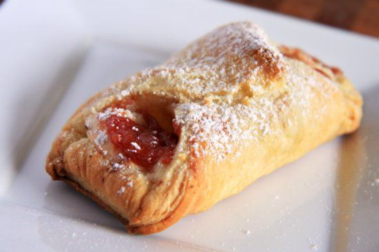 Puerto Rican Dessert- Quesitos de Guayaba (Sweeten Cream Cheese and Guava Pastries)