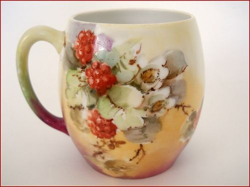 LIMOGES Porcelain mug - Hand Painted Fruit - Red Raspberries