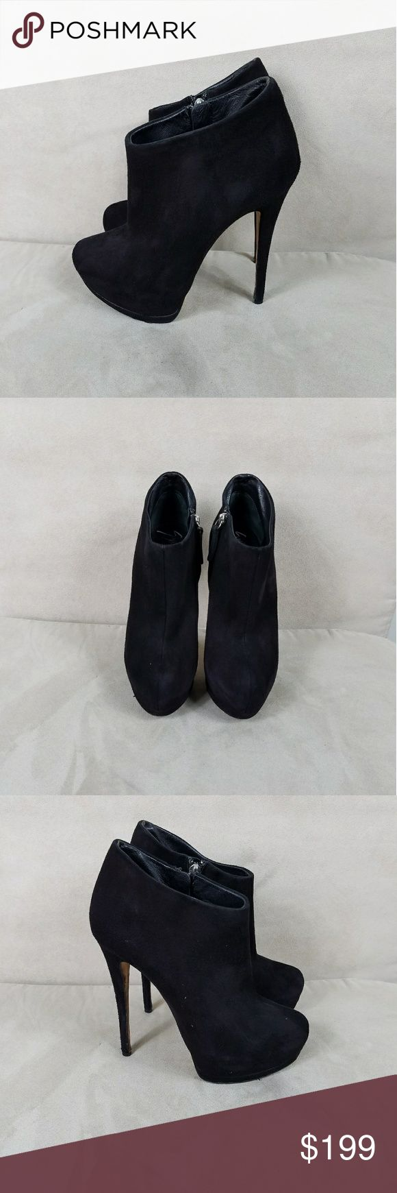 Giuseppe Zanotti Suede Boots In excellent, preowned condition! They were very well cared for and come from a non smoking, pet free home. These are a EU 38 which is a US 7.5. Giuseppe Zanotti Shoes Ankle Boots & Booties
