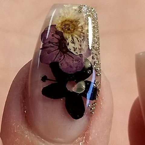 Dried flower nails More