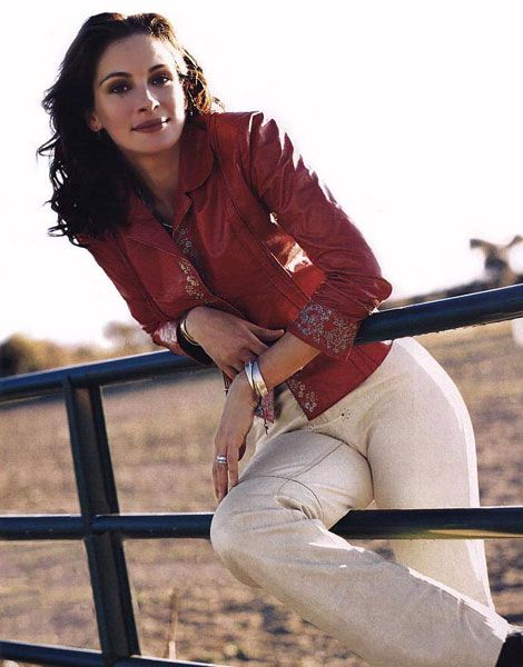 Julia Roberts in Style - January 2000