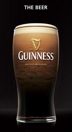 Boire une Guiness en Irlande