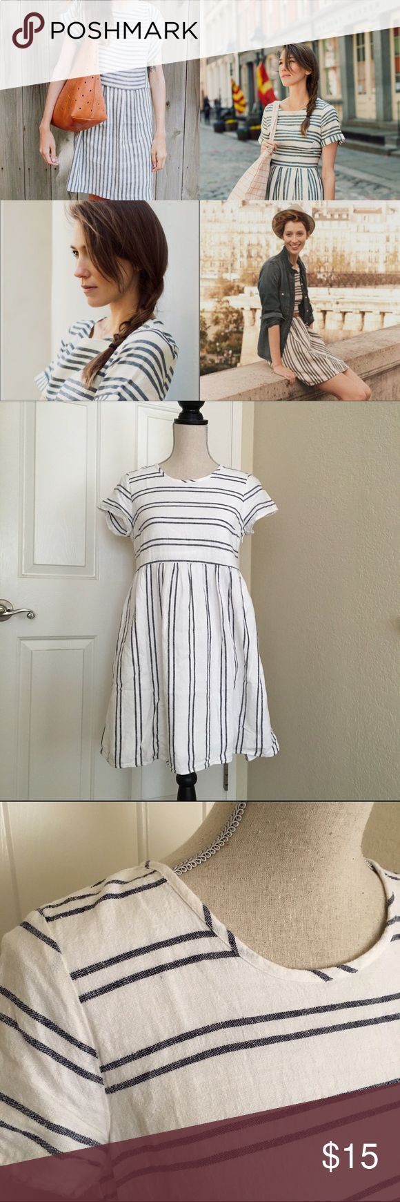 Cute summer dress by old navy, size XS Cute summer dress by old navy, size XS , worn once , like new Old Navy Dresses Midi