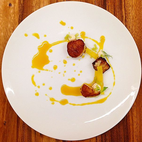 Seared Sea Scallop Crispy Pork Fennel Kiwi Passion Fruit Pineapple & 40 best Foxtail || Plates images on Pinterest | Catering events ...