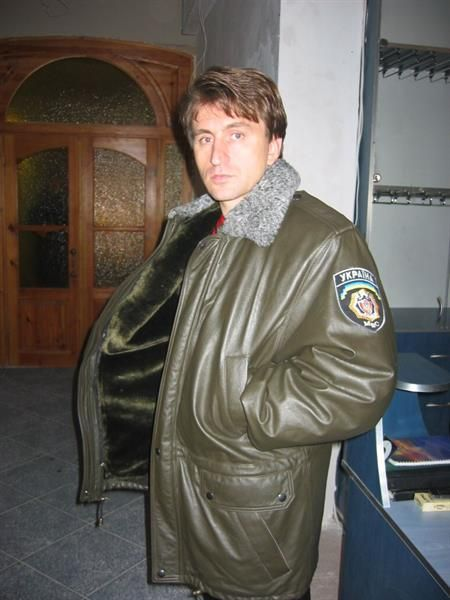Почему кожанная куртка вонючая