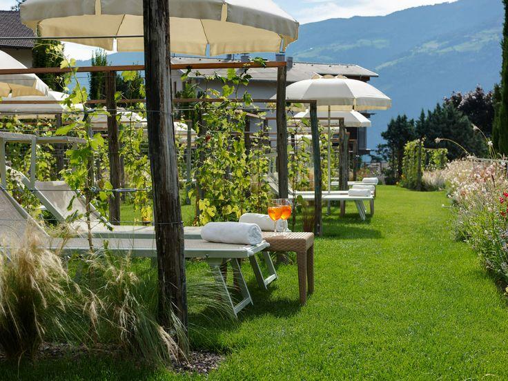 http://www.lindenhof.it/ Als Gast im Style und Spa Resort Lindenhof in Südtirol genießen Sie einen Urlaub, der Sie begeistern wird.