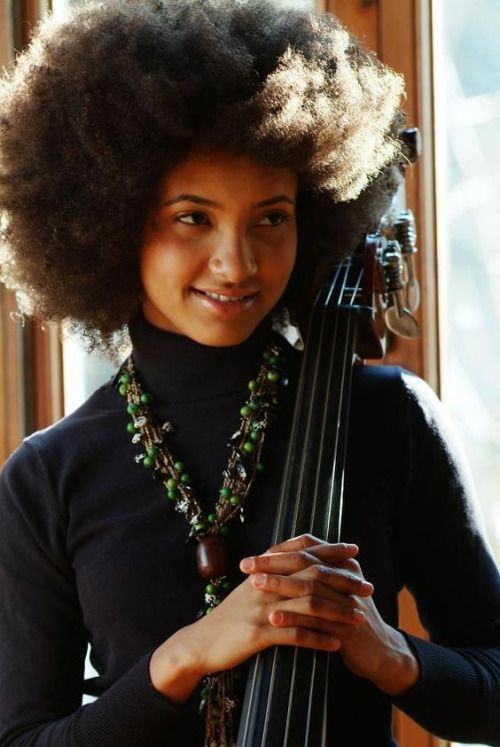 ESPERANZA AND THE SUN… Esperanza Spalding, jazz Source of pic: pinterest.com
