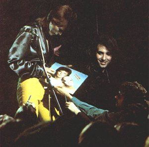 The Ziggy Stardust Companion - The 1980 Floor Show Image Gallery (1/2)