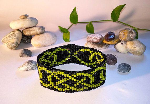 Keltische knoop Green & Black Bead armband Bead Loom armband, Loom parel armband, het weven van de Keltische sieraden, Keltische parel sieraden, Ierse armband