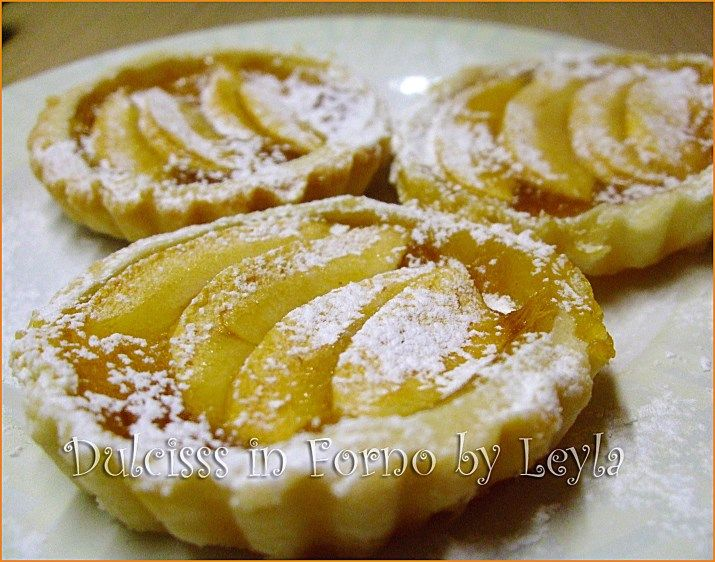 Crostatine alle mele e marmellata, ricetta facile e veloce