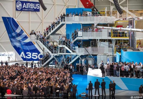 Aviation legend and two new jets meet in Toulouse
