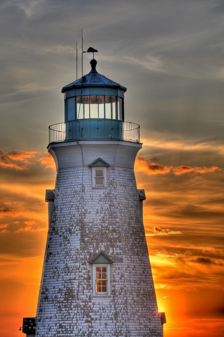 LIONSHEAD ONTARIO LIGHTHOUSE BY MIKE KOVACS