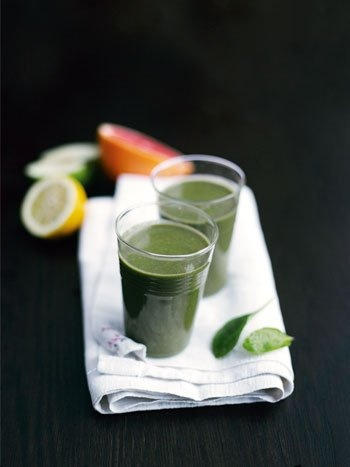 Spinach smoothie with tyrni berry (grows in Finnish islands, at least...)