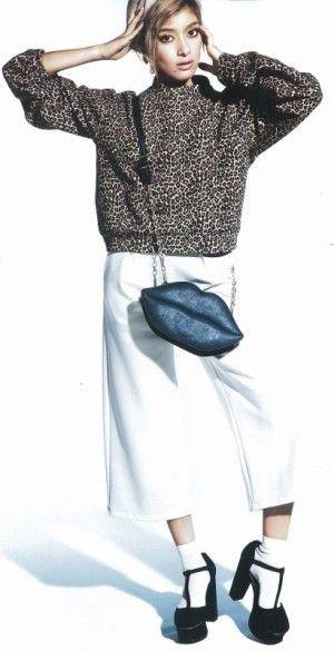 ローラに学ぶ、ガイちょパンツの着こなし♡ギャルのコーデ♡参考にしたいスタイル・ファッションアイデア☆