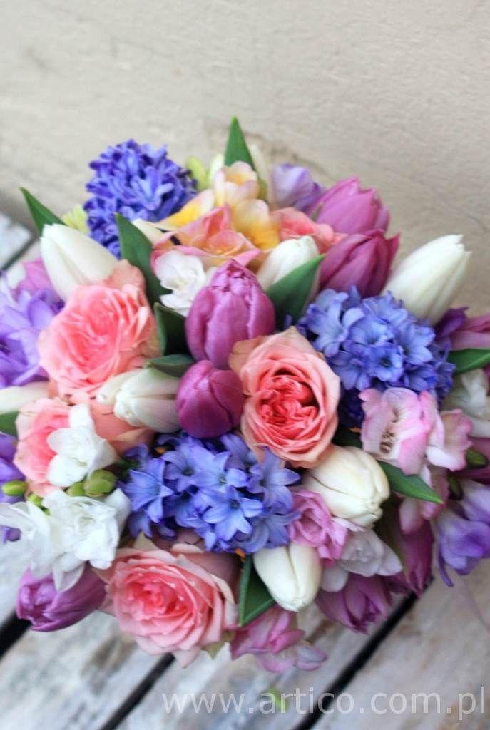 Nasze kolorowe bukieciki, piękne.  www.artico.com.pl www.facebook.com/artico.kwiaty  #kolorowy #bukiet #ślubny #wesele #kwiaty