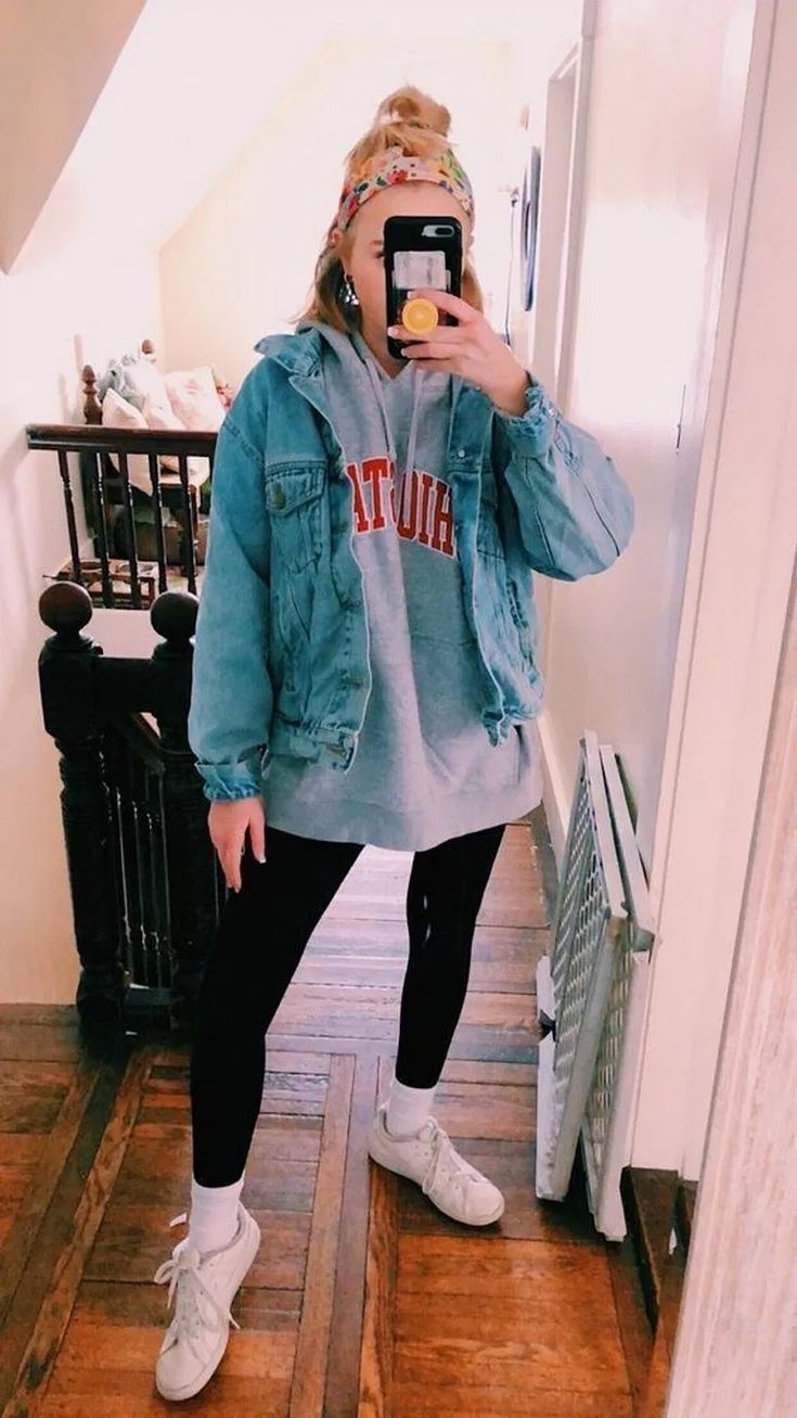 15 Casual School Outfit Ideas For 2019 #outfitideas #schooloutfits #fashiondesig…