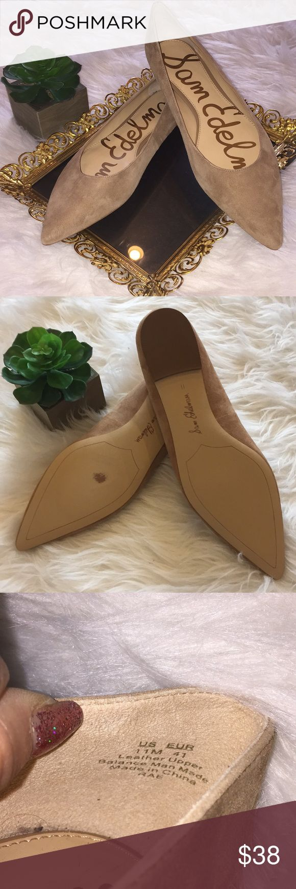 Sam Edelman Rae Tan Camel Suede Flats Sam Edelman Rae Tan Camel Suede Flats A lightly padded footbed adds comfort. Synthetic sole. Cute gold detail on heel Like New Pair with Jeans, Crop Pants, Summer Dresses and skirts; the color is ideal which makes the options endless!  Size 11 Shoes Flats & Loafers