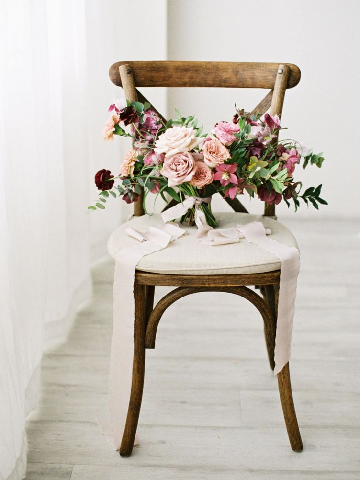 Mauve wedding bouquet: Photography: Jamie Rae - http://jamieraephoto.com/
