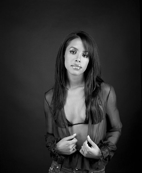 Aaliyah- RIP WOMEN! Never have I forgot about you or your music or soul... We miss you.  (: BWS ⊱✿