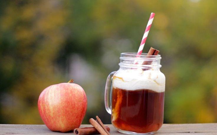 Heb jij de vele voordelen van appelazijn al ontdekt? Het klinkt misschien raar, maar appelazijn is één van mijn favoriete keuken must-haves. Je kunt het op zoveel verschillende manieren gebruiken! En niet alleen in de keuken, ook goed als beauty product of huishoudmiddel. Het is absoluut een van de meest veelzijdige producten die er zijn!